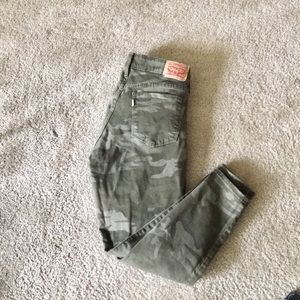 Levi's 711 Skinny Ankle Camouflage Jeans